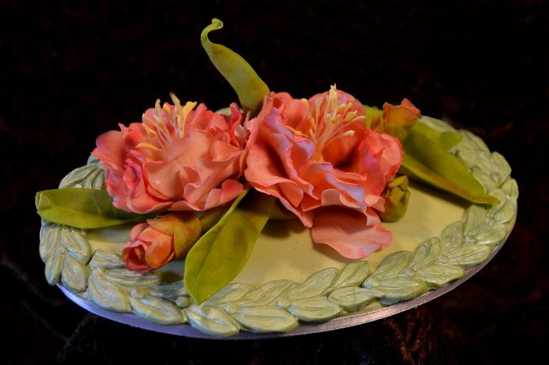 Cake Art Modeling Chocolate : Chocolate Camellias